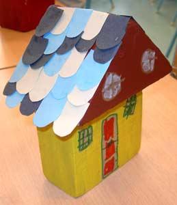 Fabriquer des maisons en bois cole maternelle - Maison en bois peinte ...