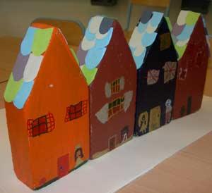 Fabriquer des maisons en bois cole maternelle - Fabriquer album photo maison ...